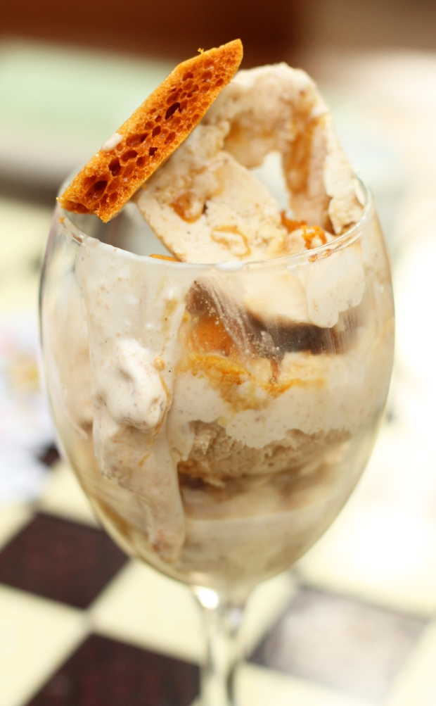 Toast ice cream glass with honeycomb