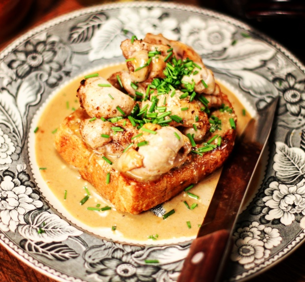 4 Soft Roes on Toast with Sherry Cream